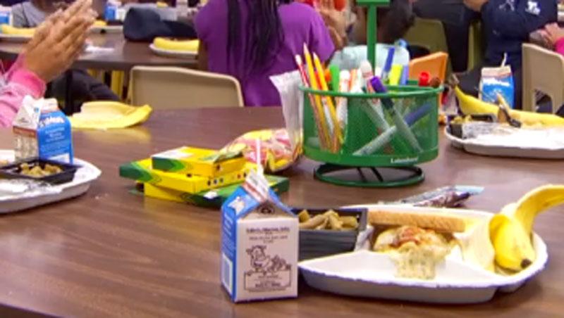 PRINCIPAL-foto-de-comida-en-escuela-DISD-Meals