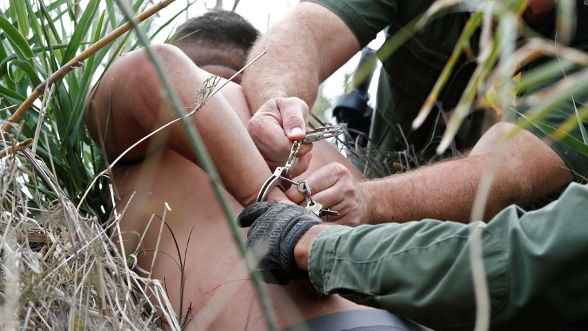 Indocumentado arrestado en la frontera