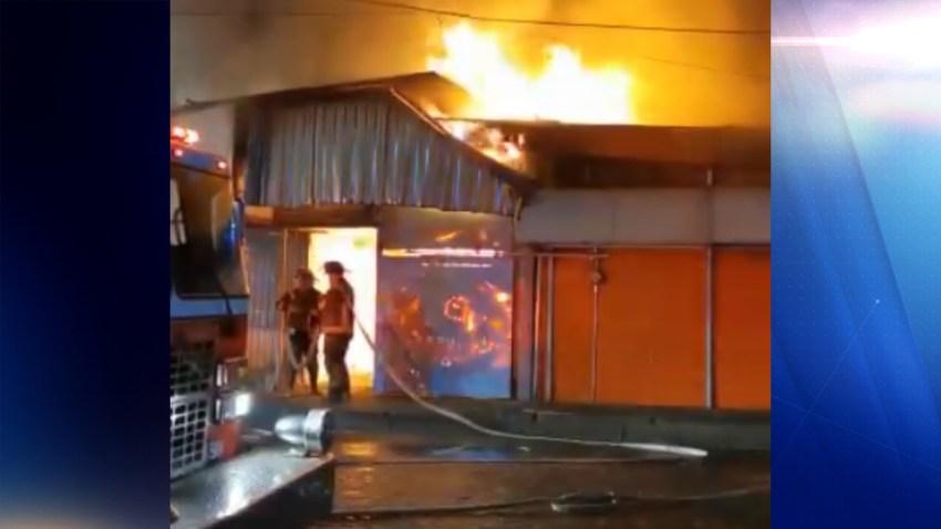 Incendio en mercado de Xochimilco