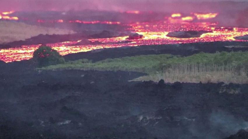 Impresionante R 237 O De Lava Fluye Del Volc 225 N Kilauea