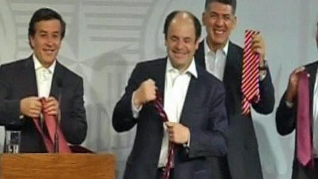 tlmd_chilenos_corbata