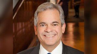 Alcalde Steve Adler de Austin