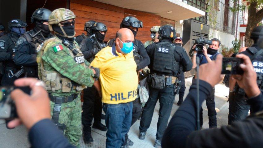 Militares detienen a un hombre en un operativo antidrogas