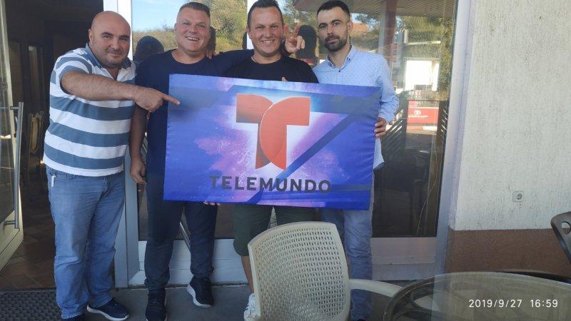 Fotos: Televidente de Telemundo muestra su aprecio desde Kosovo