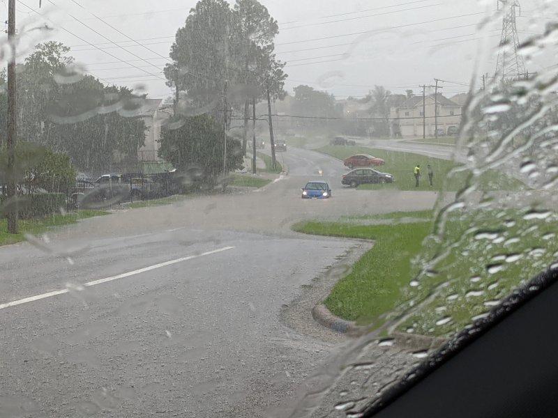 Aguaceros en el norte de Texas provocan inundaciones