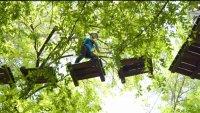 Aventuras de verano en DFW: Obstáculos arriba de los árboles