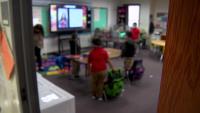Estudiantes de 5 escuelas del DISD regresaron a clases