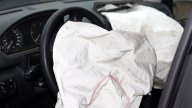 Llaman a revisión 12 millones de autos por bolsas de aire