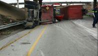 Un accidente automovilístico ocasionó el cierre de una parte de la carretera 820 en Fort Worth.