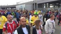 Fans brasileños arman fiesta tras victoria sorpresiva contra Costa Rica.