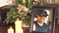 Carlos Delgadillo recibió un balazo en el pecho y la familia de él lo llevaron a una clínica en Fort Worth. Ahora se sabe que el...