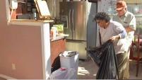 Las labores de limpieza continúan en el norte de Texas donde algunos tratan de recuperar lo poco que les quedó y otros le dicen adiós a sus...