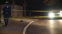 Una mujer fue baleada en la pierna y aventada desde un auto en Dallas. Se encuentra en condición crítica en el hospital.