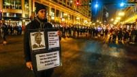 Un oficial de raza blanca fue acusado por la muerte de un joven afroamericano, hecho que ocurrió hace un año en Chicago.