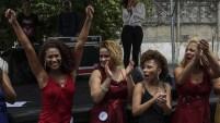 En Brasil, la cárcel de mujeres Talavera Bruce fue escenario de un concurso de belleza al que no le faltó nada.