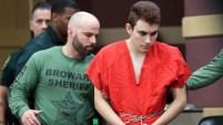 Los abogados de Nikolas Cruz, autor confeso de la matanza de 17 personas en la escuela secundaria de Parkland, Florida, solicitaron a la corte prohibirle a un...