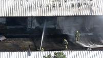 Los bomberos de Grand Prairie reportaron un incendio sucedido en los terrenos de la pulga de Grand Prairie.