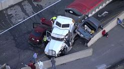 Aparatoso accidente causa el cierre de la I-35