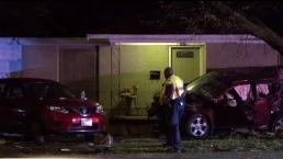 Conductor en Dallas causa destrozos en vivienda