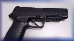 """Piden prohibir armas de """"juguete"""" que parecen reales"""