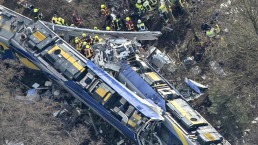 Fotos: Mortal choque de trenes de pasajeros en Alemania