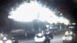 Bomba explota cerca de estación de metro