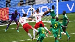 ¿Puro drama? Arquero se lanza al piso en gol frustrado