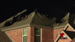 Rayos impactan viviendas en Irving