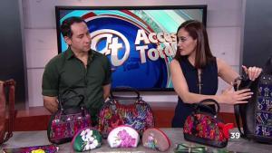Diseñador de Dallas presenta colección de bolsas