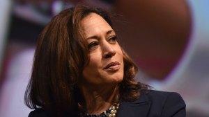 """Harris arranca campaña presidencial """"por el pueblo"""""""
