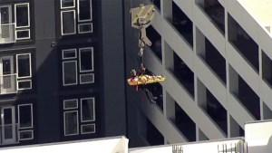 En video: Espectacular rescate de un obrero en Plano