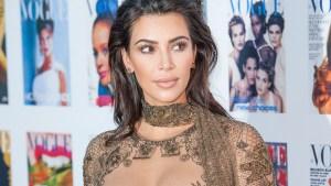 Kim Kardashian ¿casi desnuda en alfombra roja?
