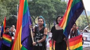 México: marchan a favor y en contra de matrimonio gay