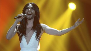 """You are Stronger"", ""Heroes"", ""Somebody to Love"", ""Jump out"" o ""Love. Respect. Conchita."" son algunos de los temas del disco."