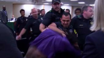 En Dallas: caos tras reunión comunitaria con la policía