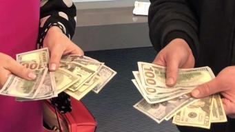 Encuentran cientos de dólares  en el norte de Texas