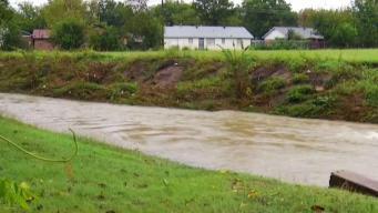 Everman en alerta por posible desbordamiento de arroyo