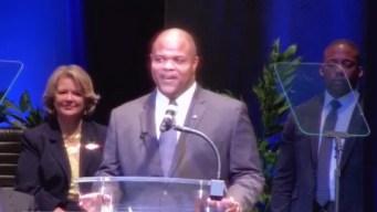 Realizan juramentación para nuevo alcalde de Dallas