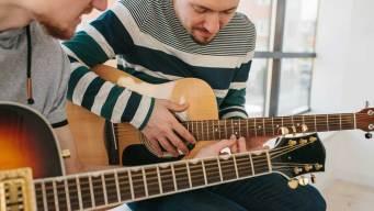 Clases de guitarra gratis en consulado de México en Dallas