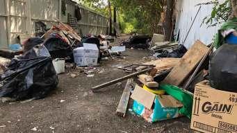 Basura y heces afectan a residentes en Pleasant Grove