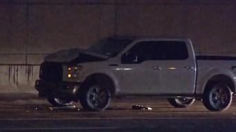 Cae desde vehículo y pierde la vida en Fort Worth