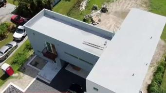 Por dentro: la primera casa construida sobre ocho contenedores