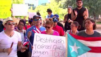 Puertorriqueños protestan contra Roselló