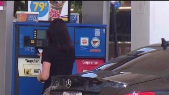 Su identidad en riesgo al cargar gasolina