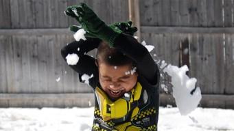 Six Flags en Arlington convoca a batalla con bolas de nieve
