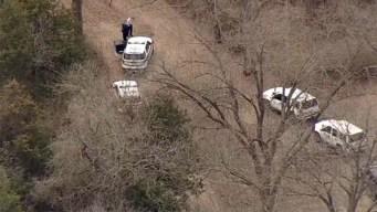 Escapan sospechosos de intento de secuestro en Cedar Hill