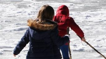 En Dallas: dona ropa de invierno para niños