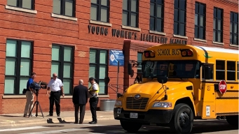 En Fort Worth: alumnas hospitalizadas tras fuerte olor a gas