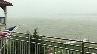 "Videos de tormentas: ""Lake Lewisville se ve como un aterrador océano"""