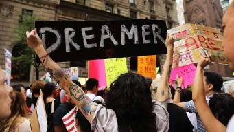 Gobierno de Trump lleva a la Corte Suprema caso sobre DACA